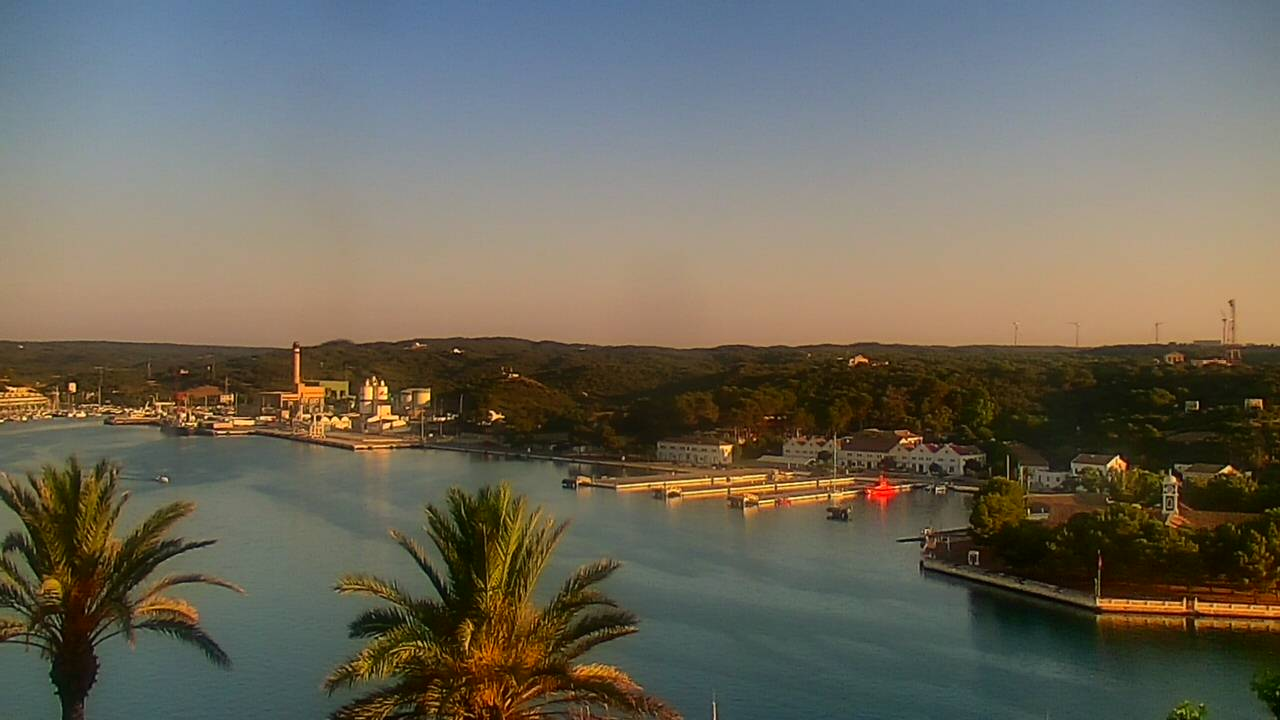 Panorama: Port de Maó ib3